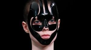 Alexander McQueen – SS 2015 Paris Fashion Week