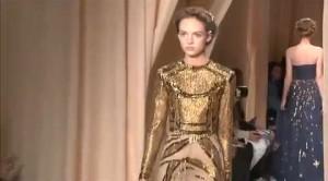 Parigi: Valentino ed Elie Saab chiudono l'Haute Couture 2015