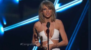 Taylor Swift domina i Billboard Music Awards 2015