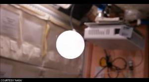 Bolla effervescente nello spazio