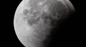 Luna gigante in Nuova Zelanda