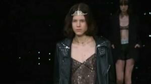Parigi, sfilano Saint Laurent, Chanel e Valentino