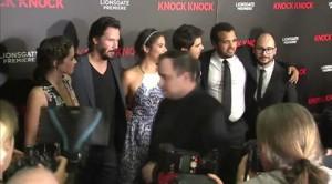 Con Keanu Reeves alla première del thriller 'Knock Knock'