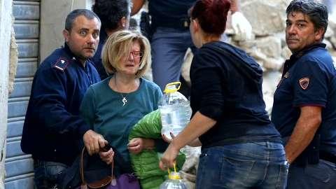 Un terremoto di magnitudo 6.0 ha colpito il Centro Italia