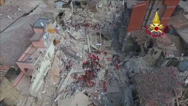 Terremoto in Centro Italia: continua senza sosta la ricerca dei superstiti