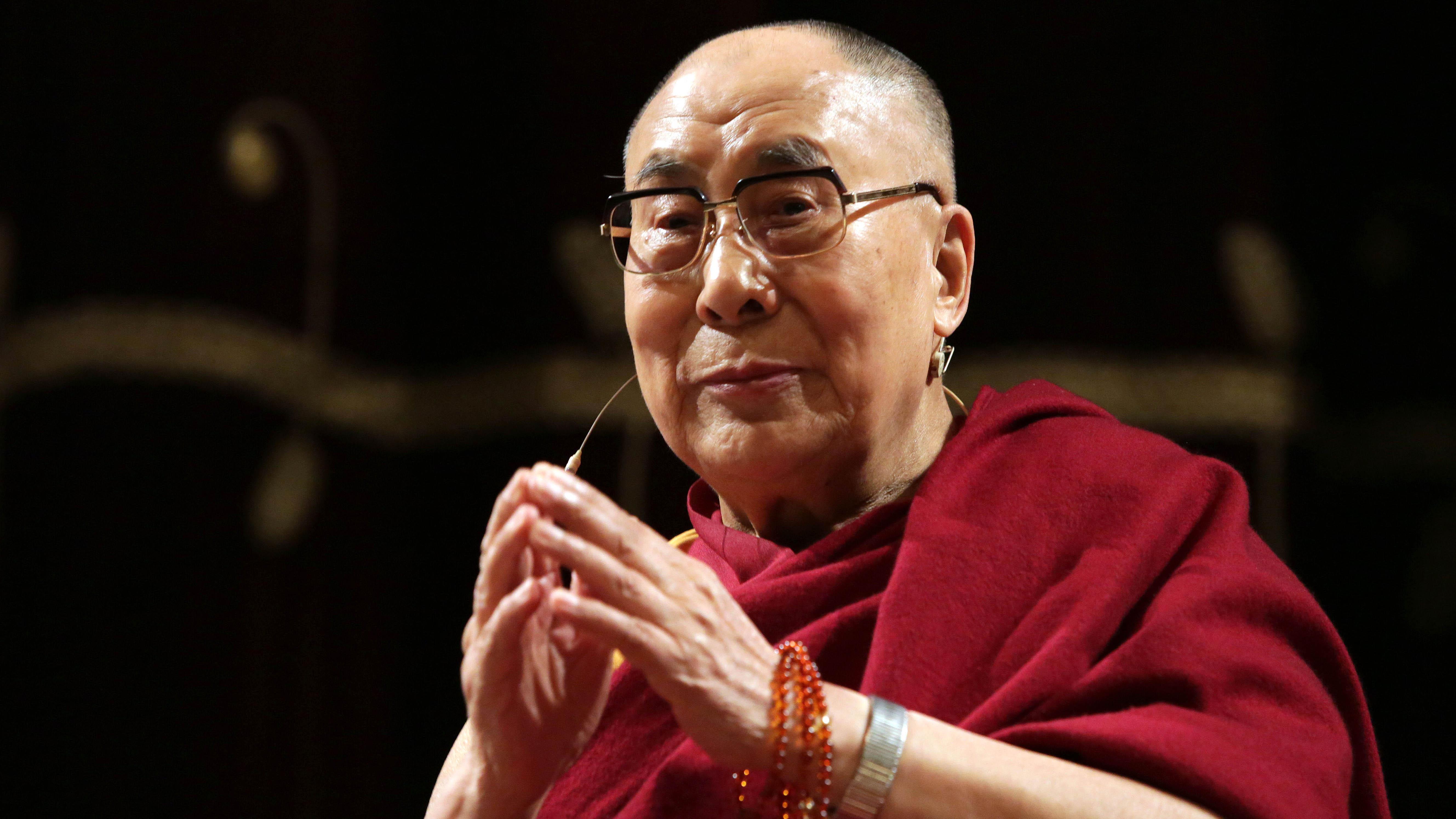 FOTO DEL GIORNO: il Dalai Lama a Milano