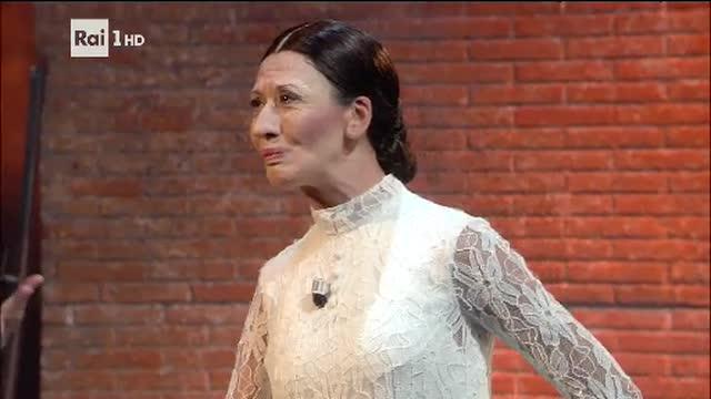 Roberto Bolle duetta con la Carla Fracci di Virginia Raffaele