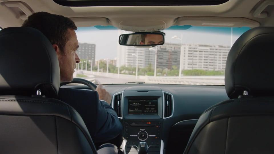 Ford BLIS (il Sistema di monitoraggio dell'angolo cieco) di Ford Edge