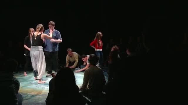 Recitare Shakespeare fa bene ai bimbi autistici. Il video del progetto
