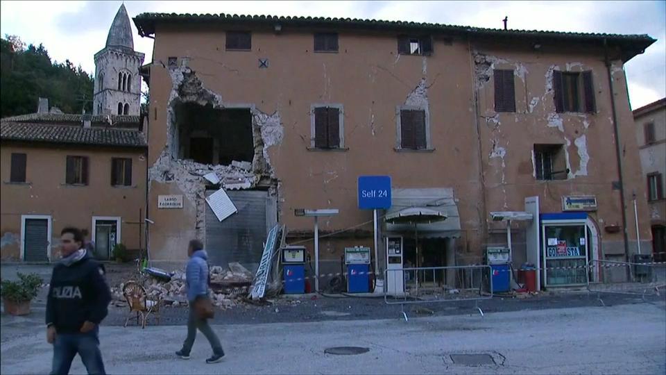 60 scosse in 10 ore: l'Italia trema di nuovo