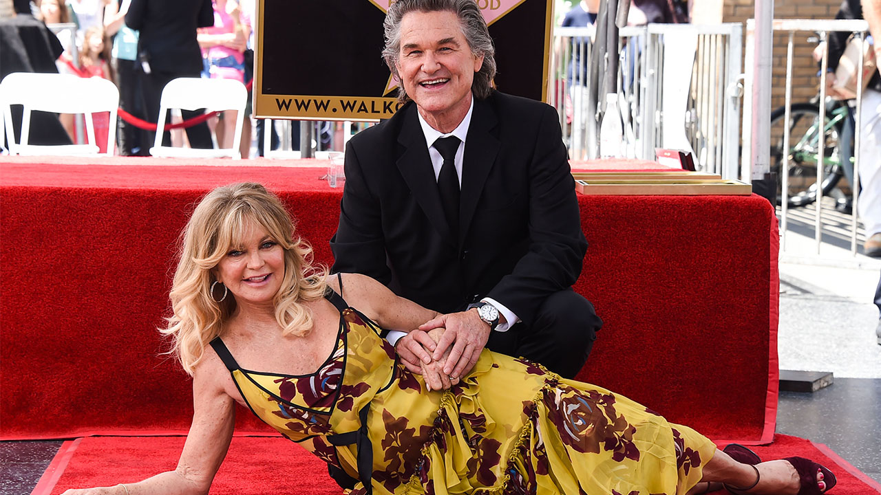 Doppia stella a Hollywood per Goldie Hawn e  Kurt Russell (video)